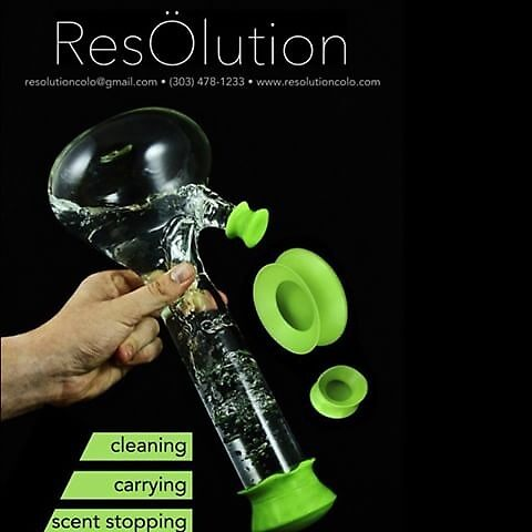 Clean a Bong Easily and Fast by resolutioncolo