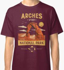 Arches National Park Vintage Utah T Shirt Classic T-Shirt