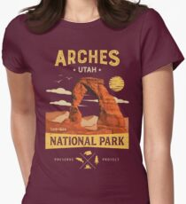Arches National Park Vintage Utah T Shirt Women's Fitted T-Shirt