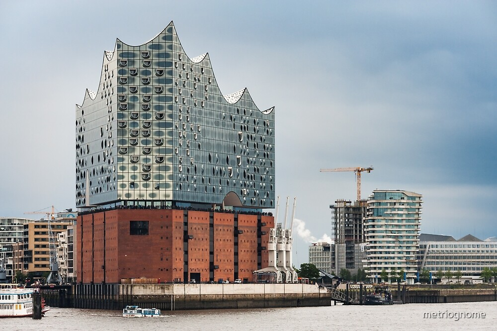 Harbourside Hamburg by metriognome