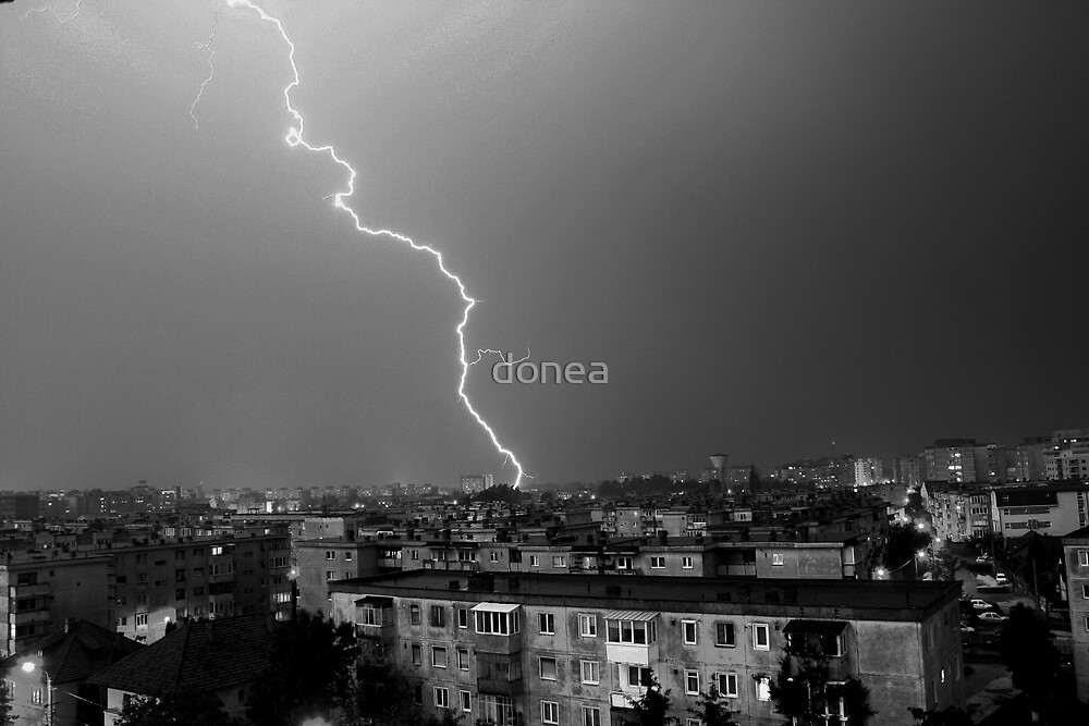 Lightning by donea