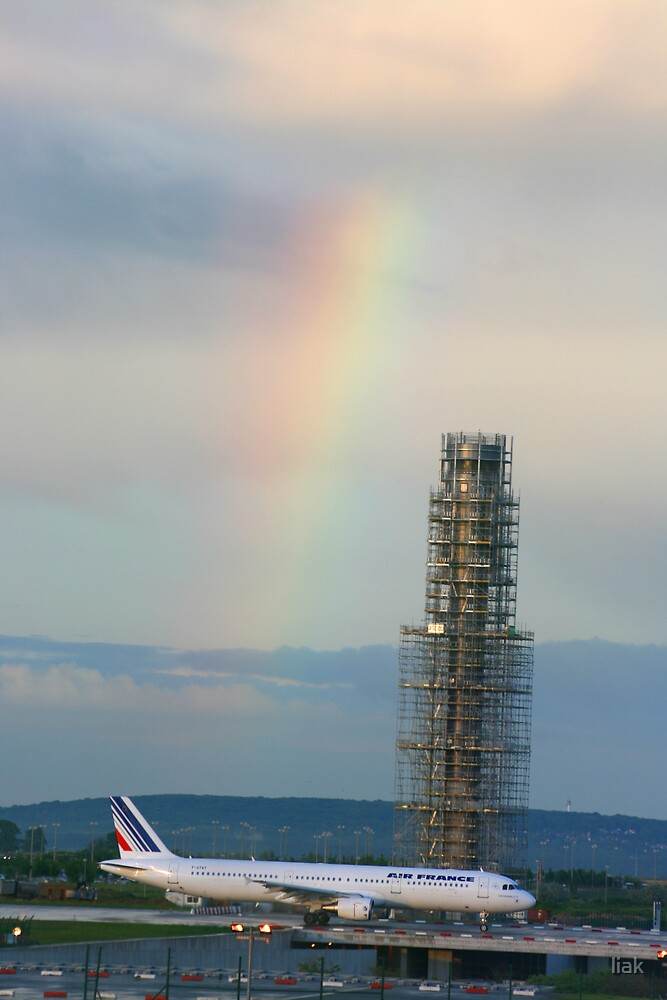 rainbow at the airport by liak