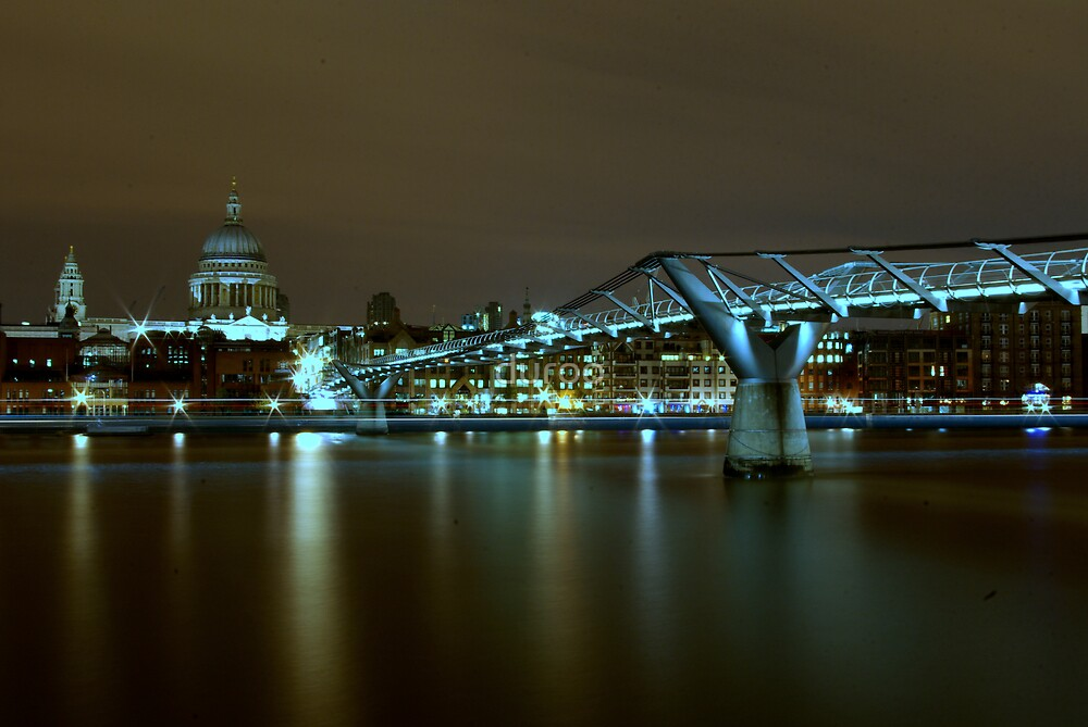London - Millenium Bridge by duroo