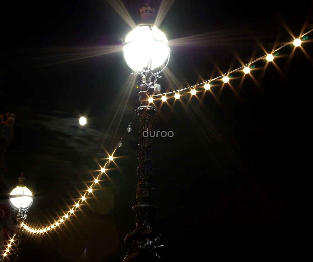 Mr Moon by duroo