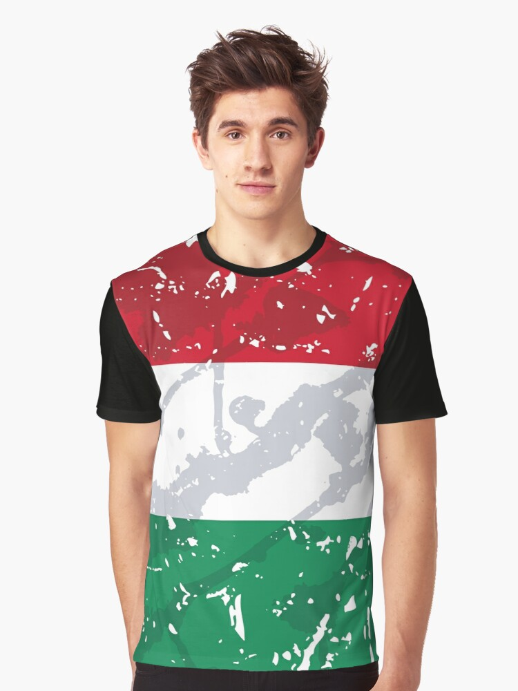 Hungary grunge vintage flag Graphic T-Shirt Front