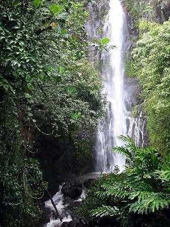 Wailua Falls in Hawaii, usa by chord0