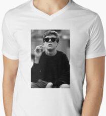 Brian T-Shirt mit V-Ausschnitt