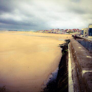Bridlington Beach Front by pauljamesfarr
