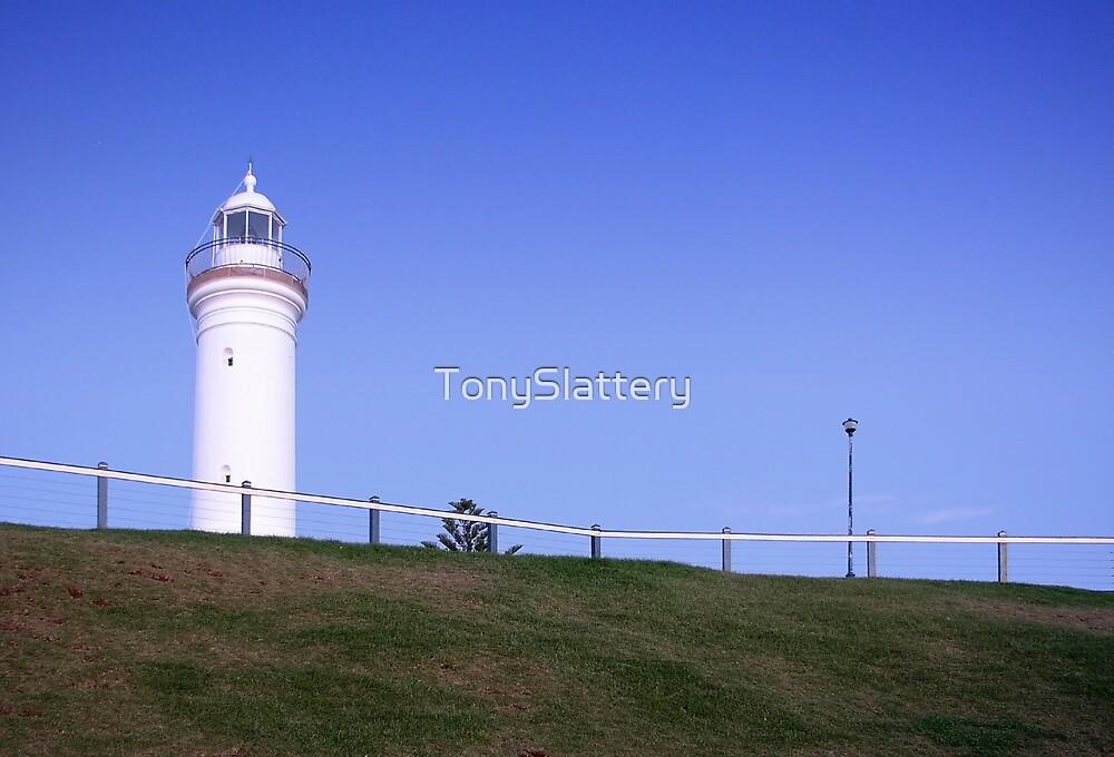 Kiama Lighthouse by TonySlattery