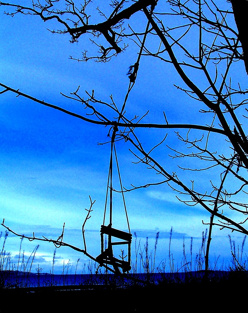 Forgotten Swing by Puffling