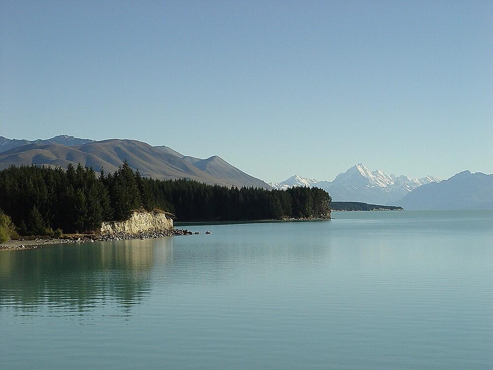 Morning Haze,Lake Pukaki. by Robin Smith