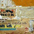 Métro - Le noir est une couleur by Yves Roumazeilles