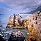 Punakaiki or Pancake rocks by Yukondick