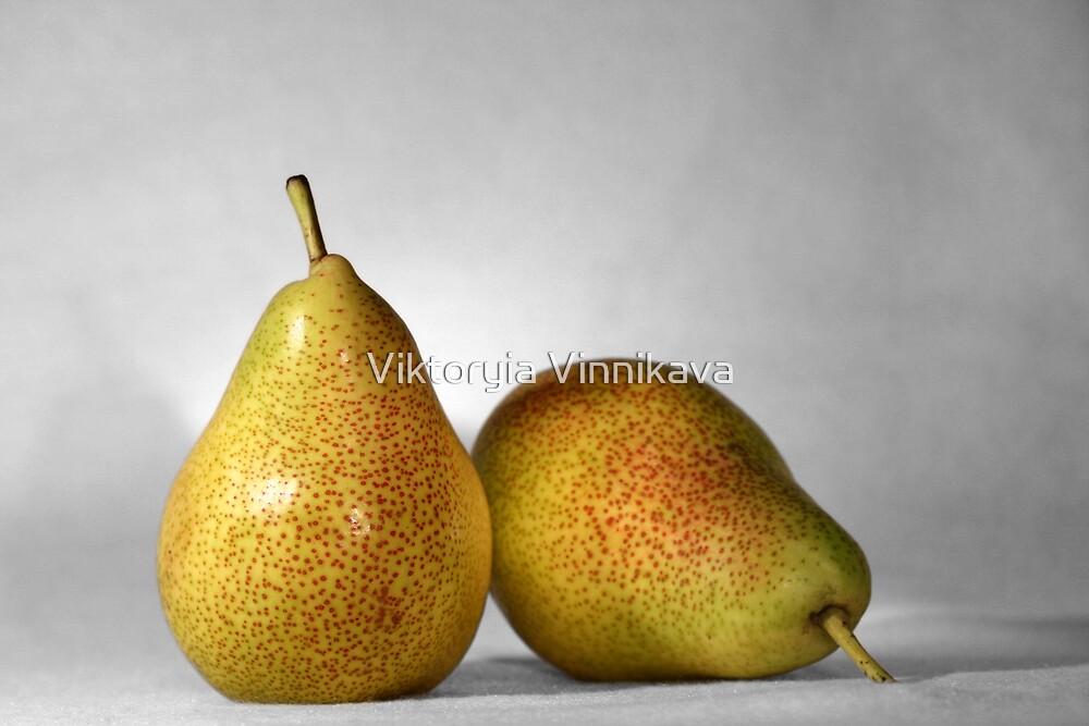 Pears by Viktoryia Vinnikava