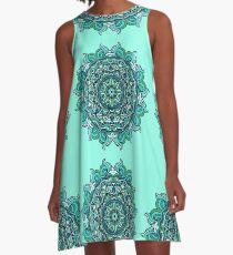 Blauer Mandala A-Linien Kleid
