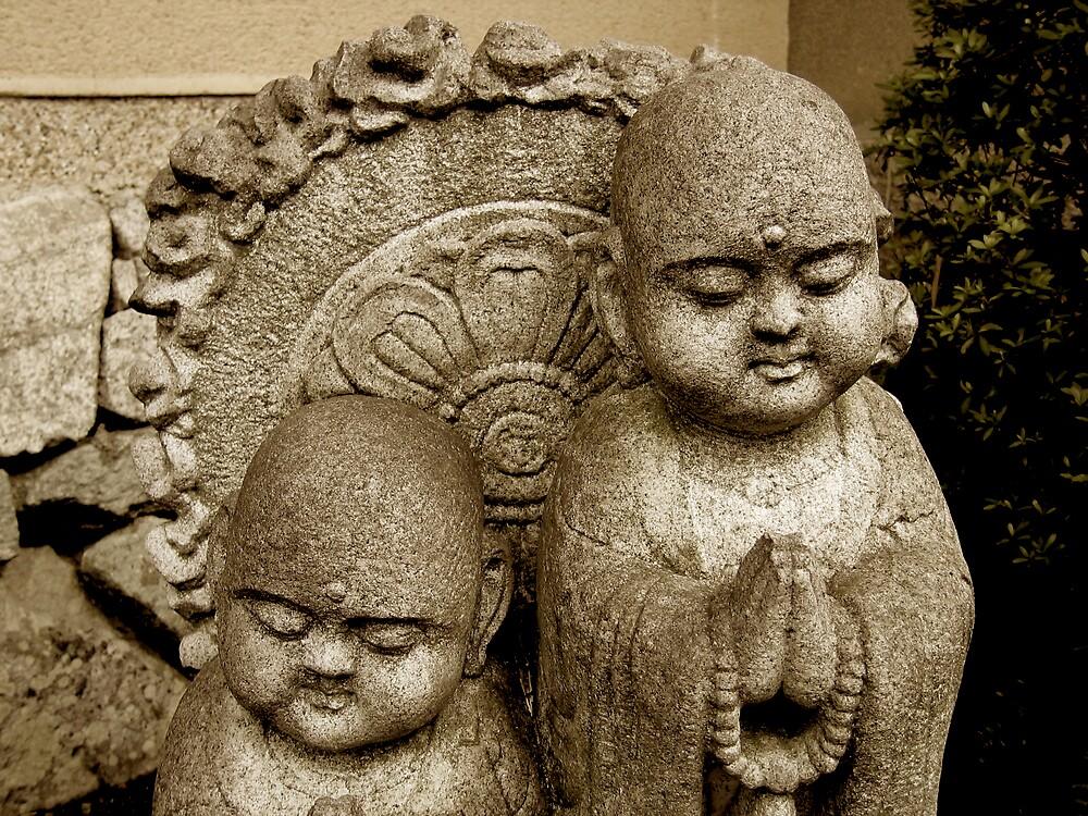 kyoto statues by geikomaiko