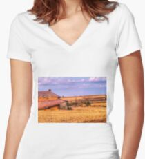 On the farm Women's Fitted V-Neck T-Shirt