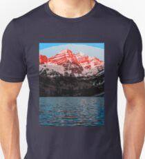The Wonderful Maroon Bells - Landscapes of USA T-Shirt