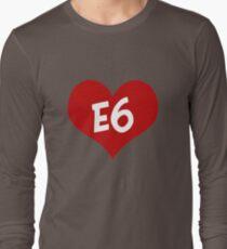 E6 entwickelt sich Langarmshirt