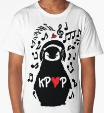 Penguin listen to kpop Long T-Shirt