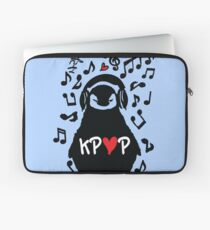 Penguin listen to kpop Laptop Sleeve