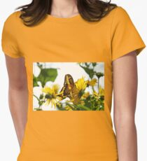Giant Swallowtail In Morning Light T-Shirt
