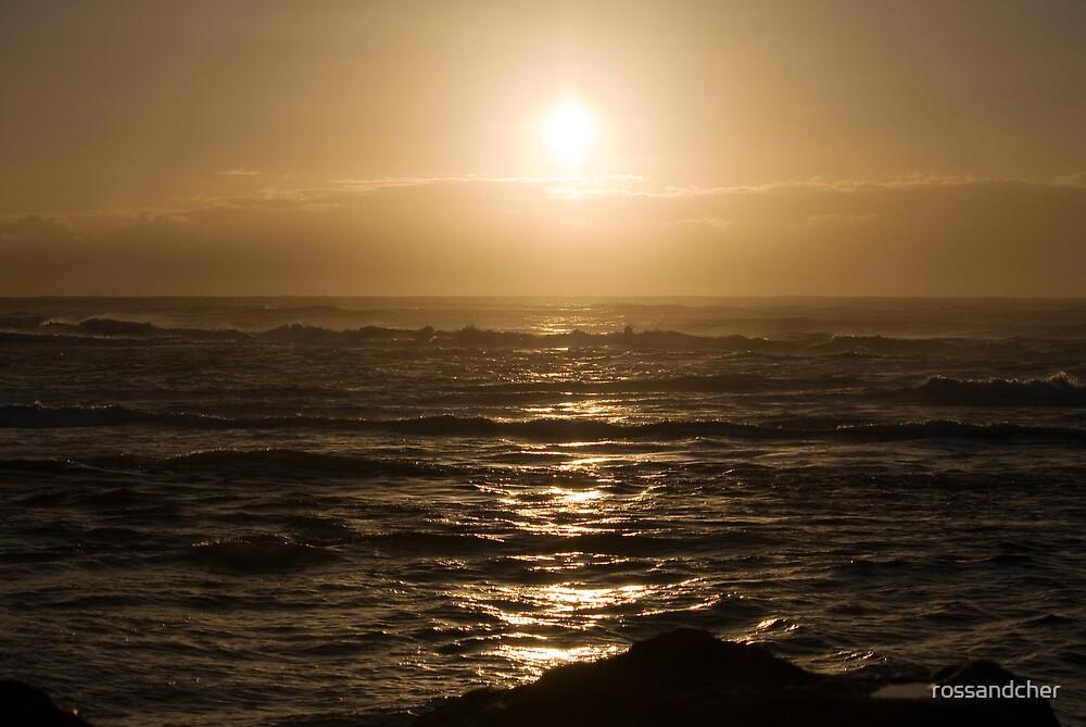 Kingscliff Sunrise by rossandcher
