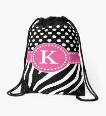 Schwarzweiss-Zebra Stripes und Polka-Punkt-K-Monogramm Turnbeutel