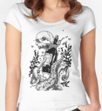 Into the Deep Women's Fitted Scoop T-Shirt