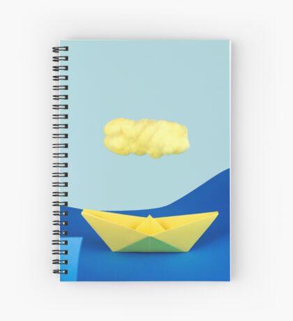 Die gelbe Wolke über dem gelben Schiff Spiralblock
