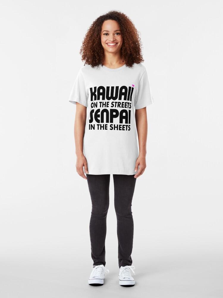 Alternative Ansicht von Kawaii auf den Straßen, Senpai in den Laken Slim Fit T-Shirt