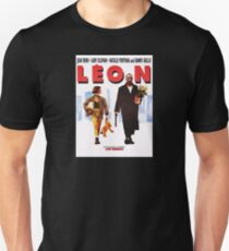 Léon Unisex T-Shirt