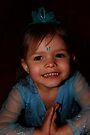 Kleines Mädchen im Blau von Evita