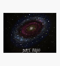 The Hitchhiker's Guide to the Galaxy Tshirt , Don't Panic Photographic Print