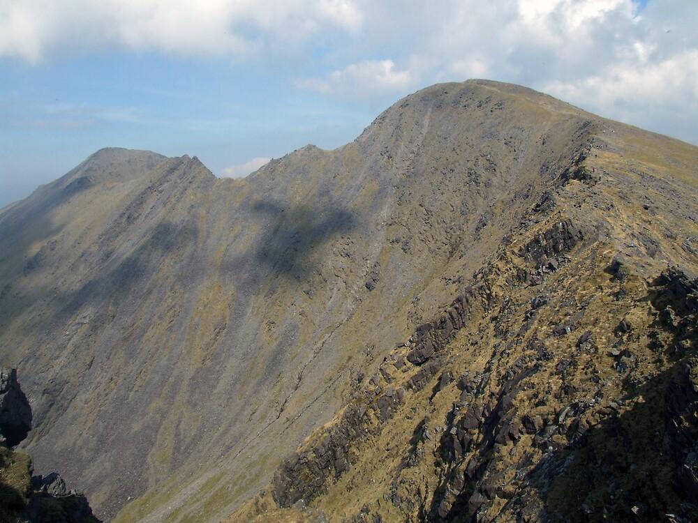 Beenkeragh ridge in summer by John Quinn