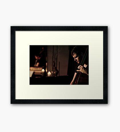 Un homme, 4 cordes...une symphonie! (01) Framed Print