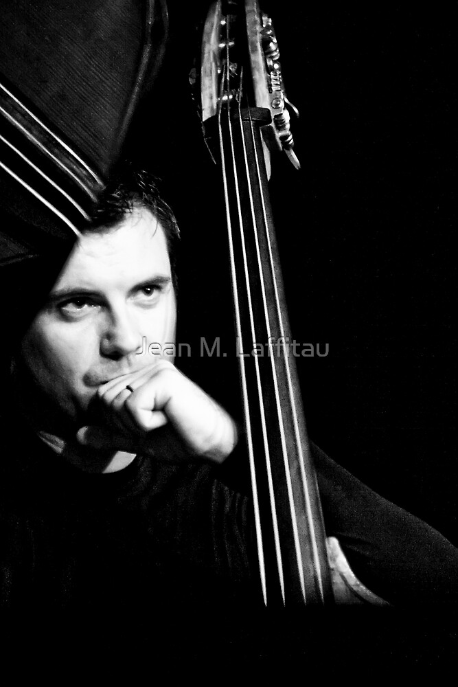 Un homme, 4 cordes...une symphonie! (02) by Jean M. Laffitau