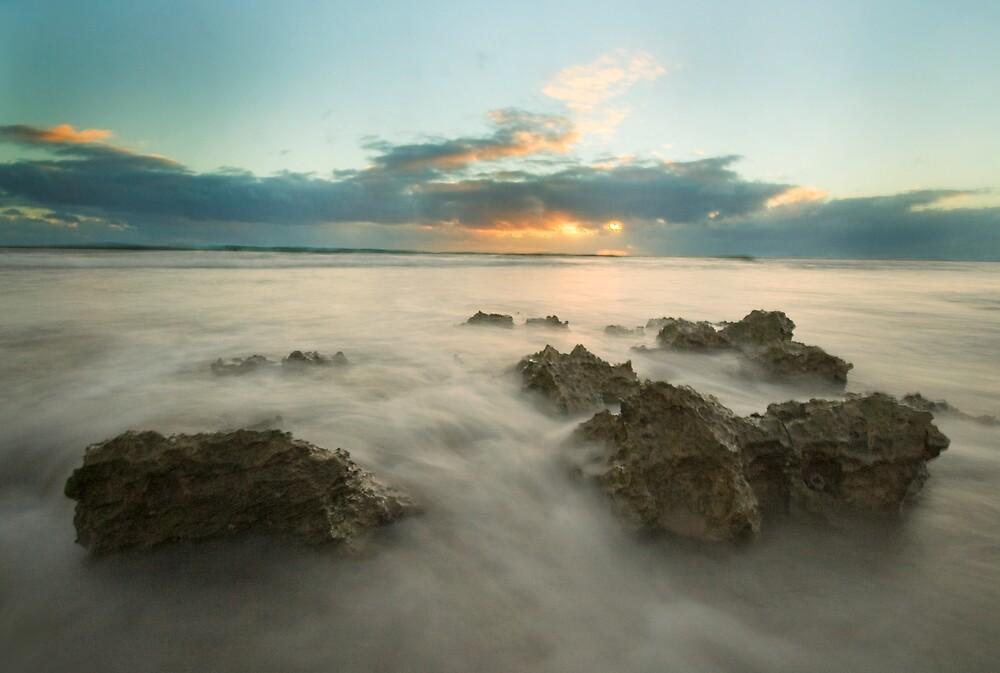 Cottesloe Washout by Keegan Wong