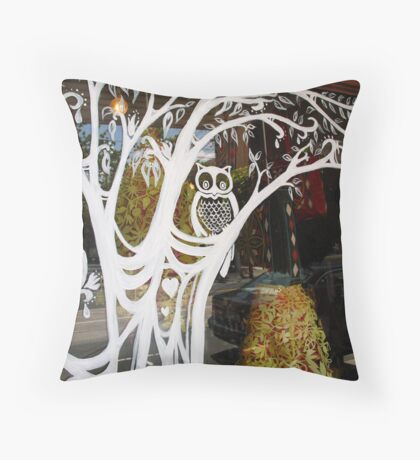 owl in the window Throw Pillow
