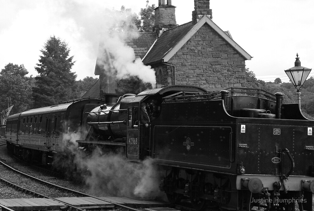 Highley Station - Severn Valley Railway by Justine Humphries