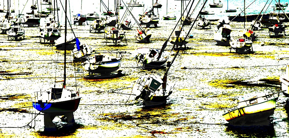 Boats at Bay, Brittany by ragman