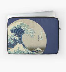 Große Welle vor Kanagawa-Kreis Laptoptasche