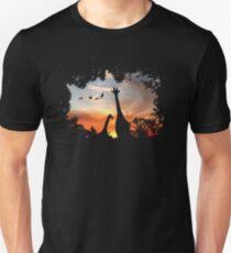 Wilder afrikanischer Sonnenuntergang Slim Fit T-Shirt