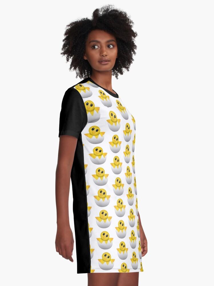 Alternative Ansicht von Brütendes Babyküken Emoji T-Shirt Kleid