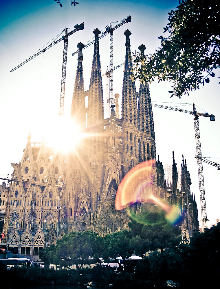 Sagrada Família by Simon Laird