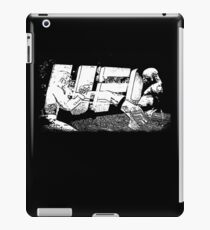Ufc fight -  Spider Kick Perfect iPad Case/Skin