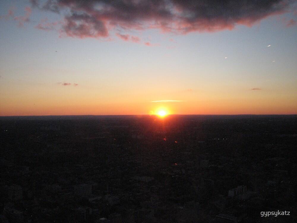 CN TOWER #6  SUNSET by gypsykatz