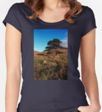 Mournes Glory Women's Fitted Scoop T-Shirt