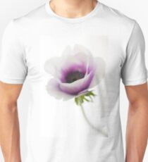 Israel, Close up of a purple flower T-Shirt