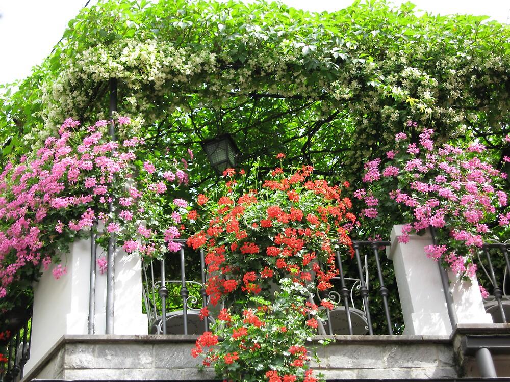 Bellagio Balcony by bexlynne